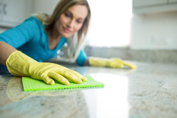 Cleaning Quartz Countertop with cloth